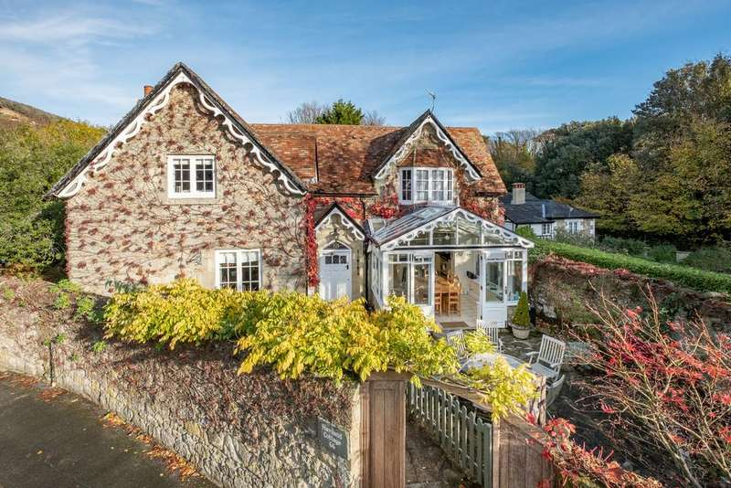 4 Bedrooms Detached House for sale in Madeira Road, Ventnor