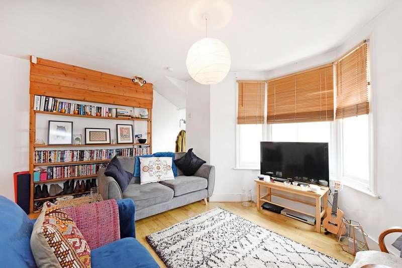2 Bedrooms Maisonette Flat for sale in Killowen Road, London
