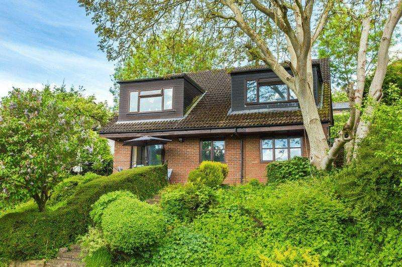 5 Bedrooms Detached House for sale in Applewick Lane, High Wycombe