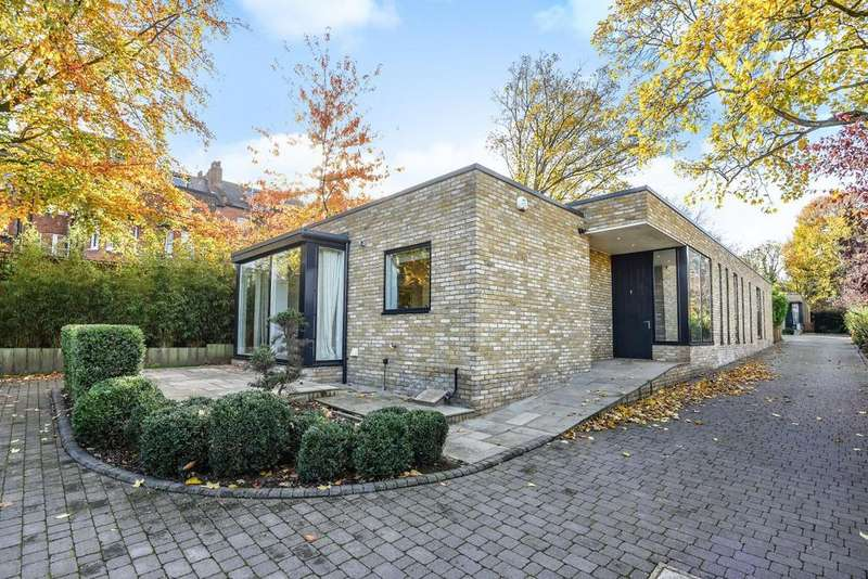 4 Bedrooms Detached House for sale in Olivers Row, Gladwell Road, Crouch End