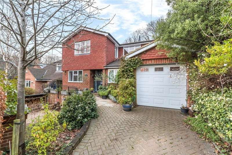 4 Bedrooms Detached House for sale in Hollybush Lane, Harpenden, Hertfordshire