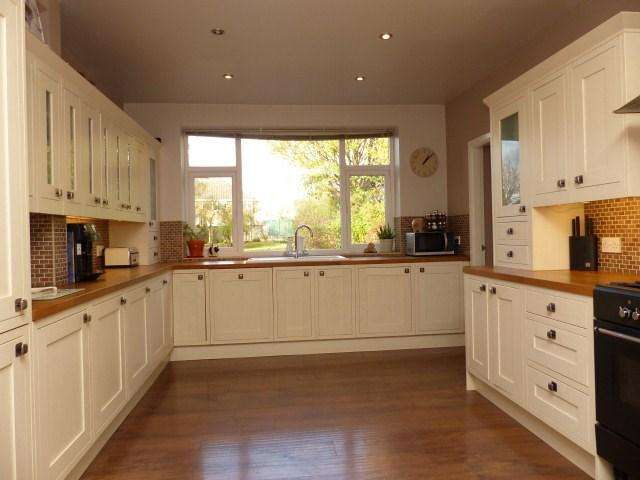 4 Bedrooms Detached House for sale in Mill Road, Walsall