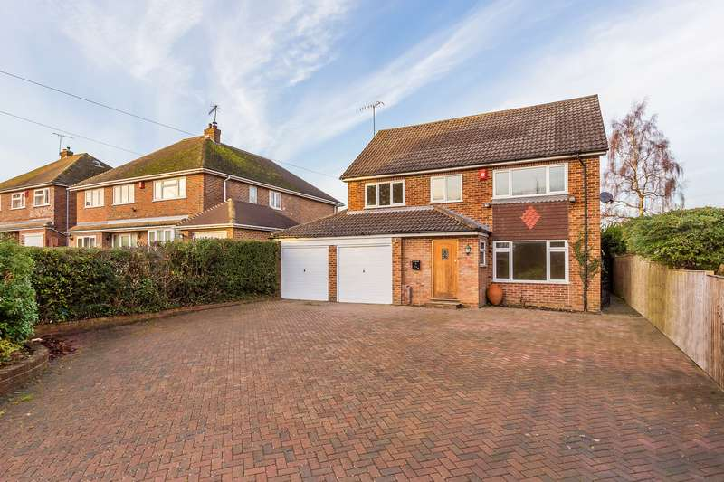 5 Bedrooms Detached House for sale in Town HIll, RH7 6AG