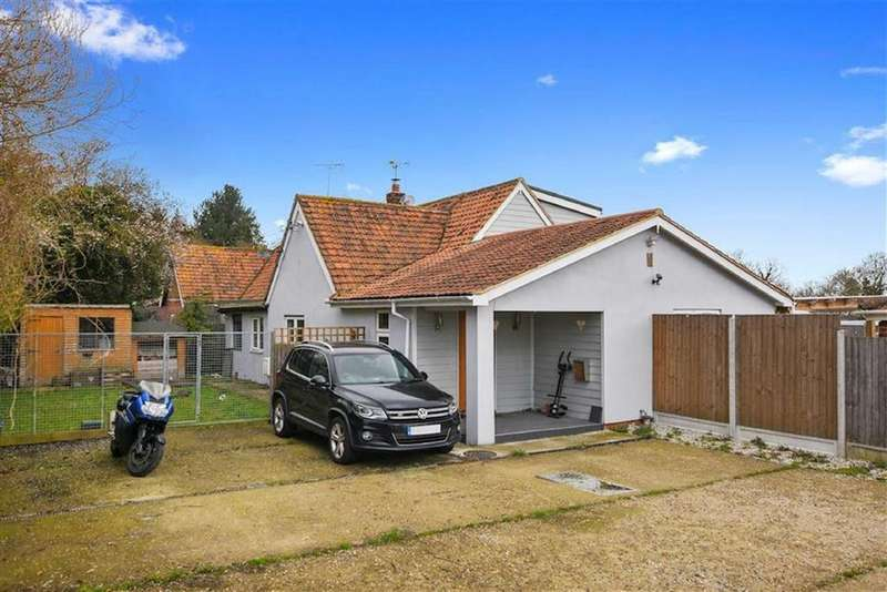 4 Bedrooms Semi Detached House for sale in Arterial Road, Wickford, Essex