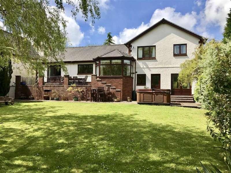 4 Bedrooms Detached House for sale in Waunfarlais Road, Llandybie, Ammanford