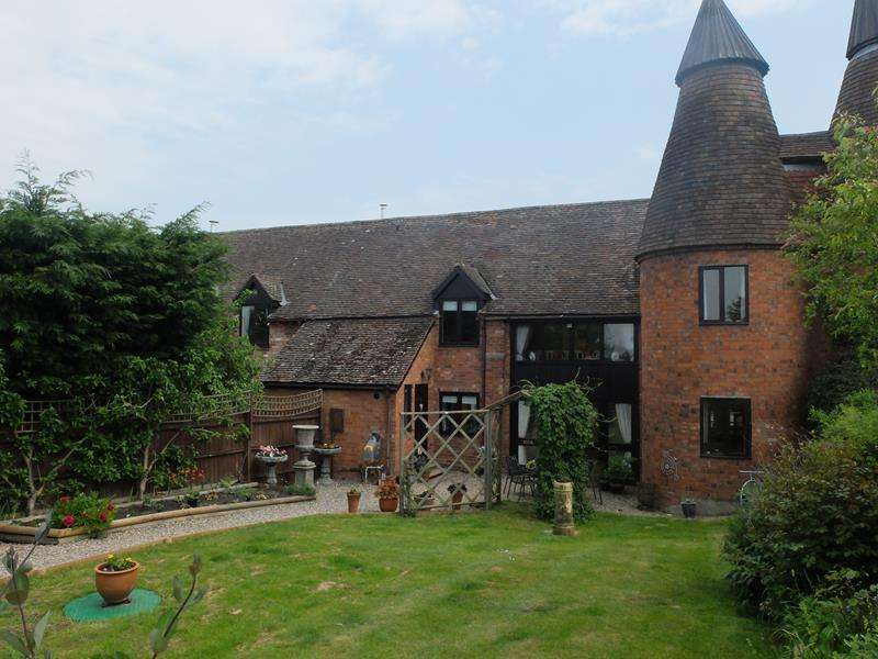 4 Bedrooms Barn Conversion Character Property for sale in Florins Oast House, Donnington Farm, Ledbury, Herefordshire, HR8 2HX
