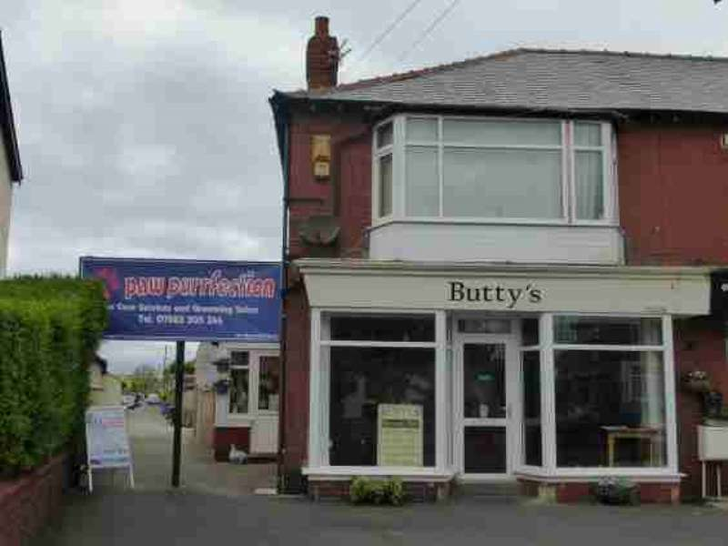 Property for sale in Moorland Roa, Lytham St Annes, FY8 3TD