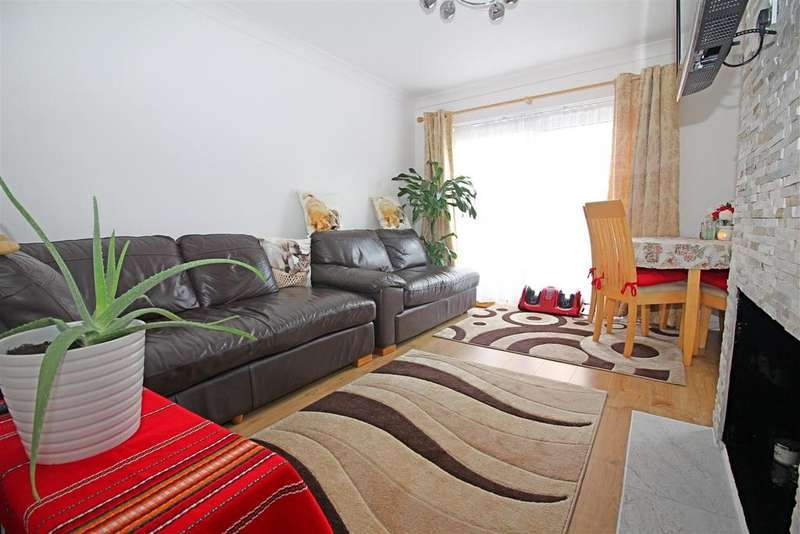 2 Bedrooms Flat for sale in Wedhey, Harlow