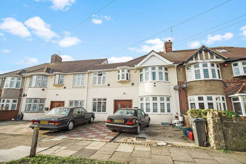 15 Bedrooms Terraced House for sale in Burns Way, Hounslow, Middlesex, tw59bb