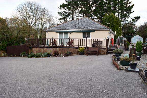 2 Bedrooms Detached Bungalow for sale in Trehaddle, Cusgarne