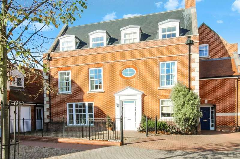 5 Bedrooms Town House for sale in Lanyard Place, Woodbridge IP12 1FE