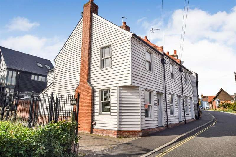3 Bedrooms End Of Terrace House for sale in The Hythe, Maldon