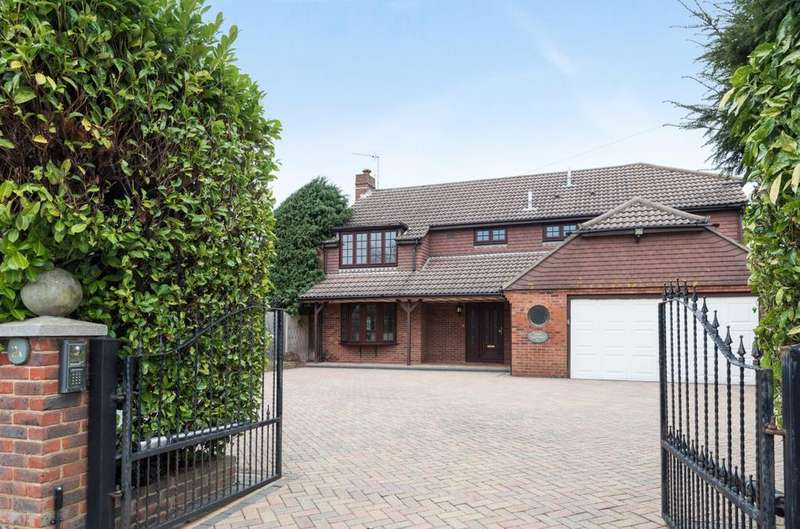 4 Bedrooms Detached House for sale in Saint Georges Avenue, Warblington, PO9