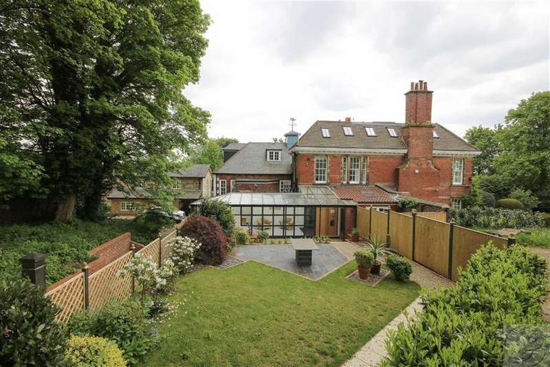 2 Bedrooms Apartment Flat for sale in Wensley House Apartments, Wensley Avenue, LS7