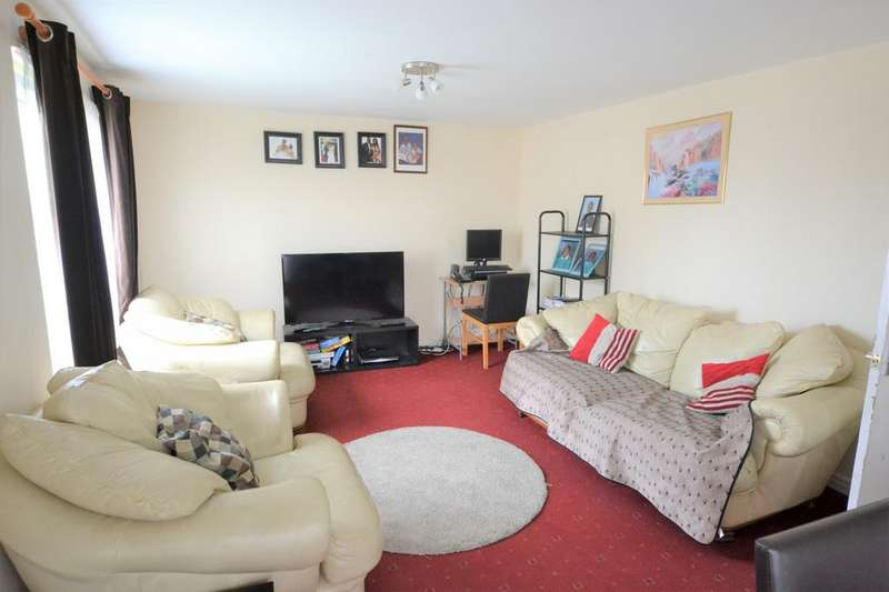 2 Bedrooms Flat for sale in Tevoit House Teviot House, York Close, Southampton, SO14