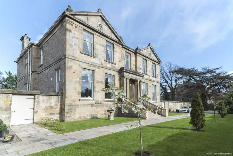 8 Bedrooms Detached House for sale in Gladstone Place, Kingspark, Stirling, Scotland, FK8 2NN