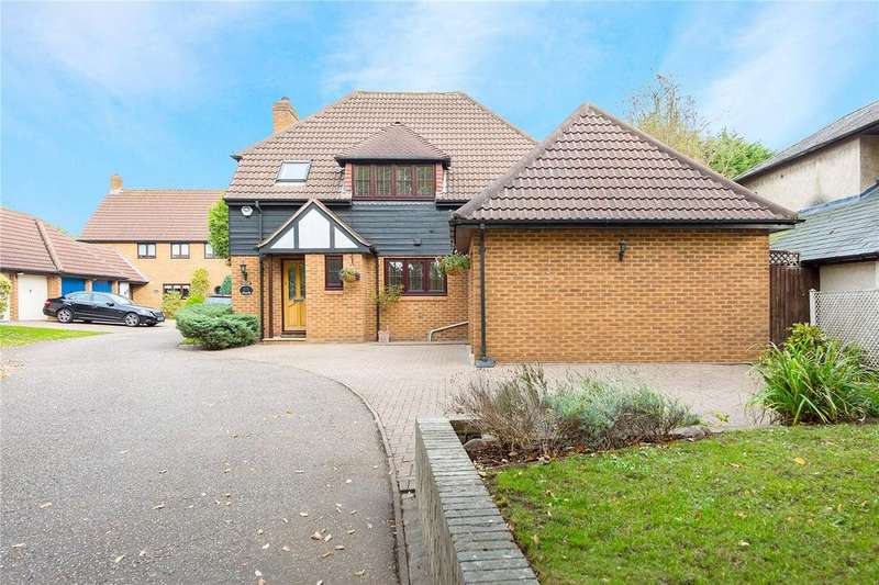 4 Bedrooms Detached House for sale in The Firs, Ongar Road, Pilgrims Hatch, Brentwood, CM15