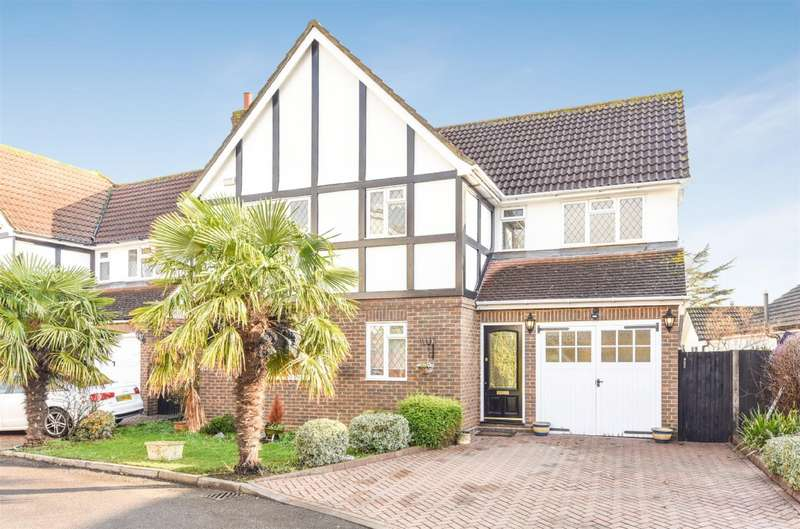 4 Bedrooms Detached House for sale in Orchard Close, West Ewell, Epsom