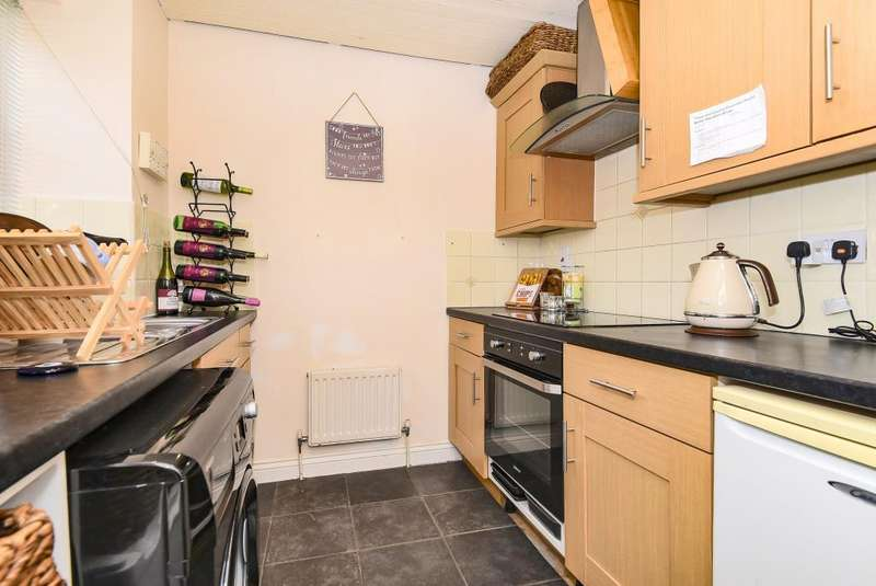 2 Bedrooms House for sale in Two Rivers Way, Newbury, RG14