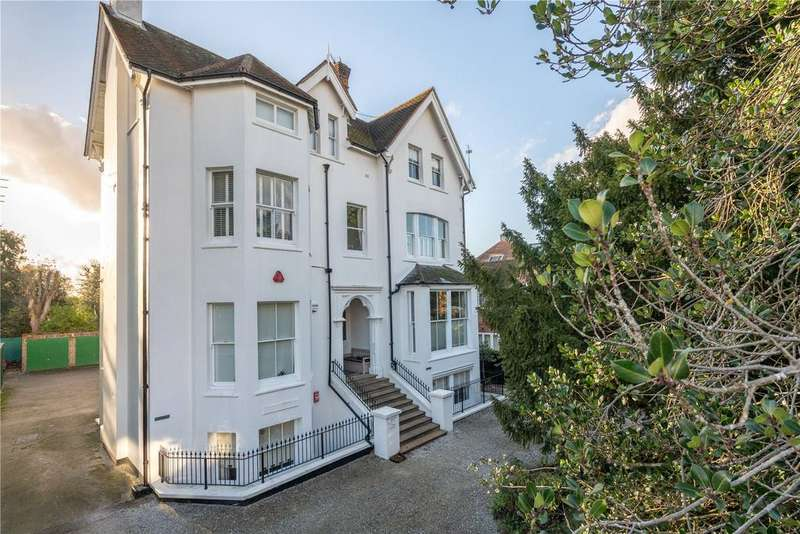 3 Bedrooms Flat for sale in Lyston House, Clifton Road, London, SW19