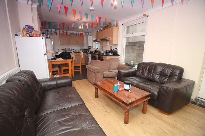 8 Bedrooms Terraced House for sale in Llanbleddian Gardens, CARDIFF