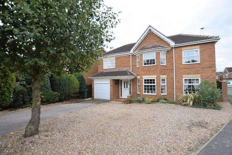 4 Bedrooms Detached House for sale in Westcroft Drive, Saxilby, Lincoln