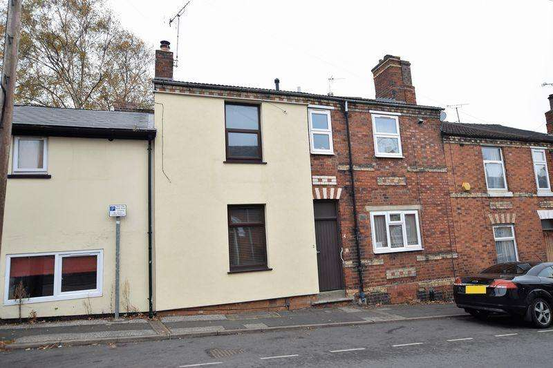 3 Bedrooms Terraced House for sale in Baggholme Road, Monks Road, Lincoln