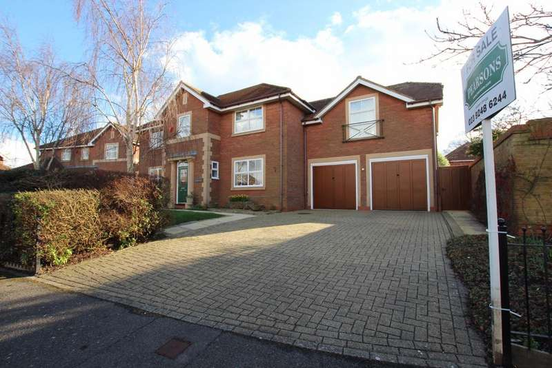5 Bedrooms Detached House for sale in Hayling Island