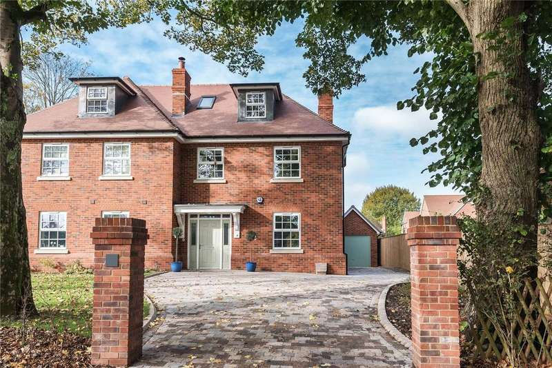 3 Bedrooms Semi Detached House for sale in Olivers Battery Road North, Winchester, Hampshire, SO22