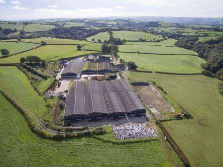 6 Bedrooms Farm Commercial for sale in HENLLAN AMGOED, WHITLAND, CARMARTHENSHIRE SA34