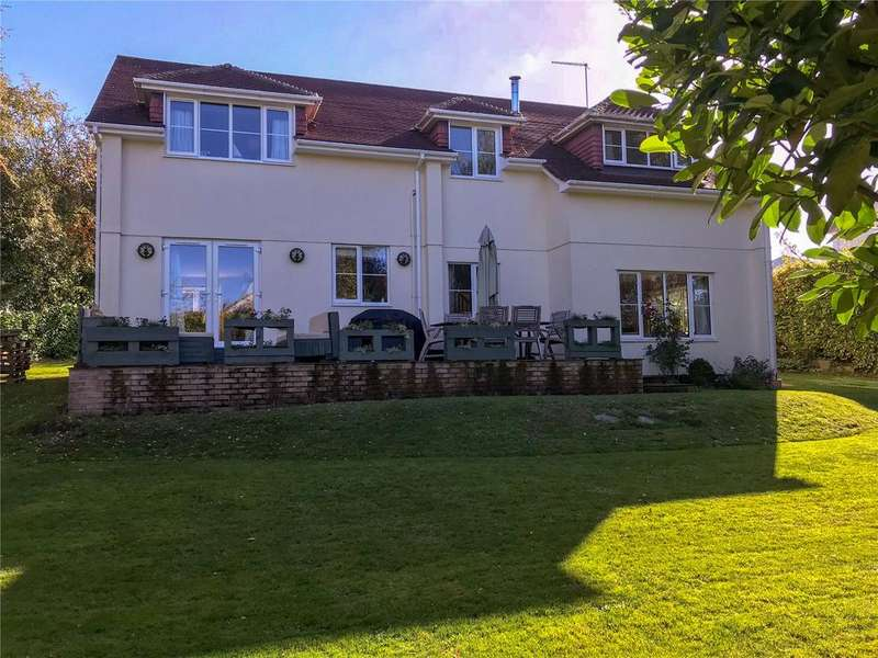 4 Bedrooms Detached House for sale in Palace Close, Kings Somborne, Stockbridge, Hampshire, SO20