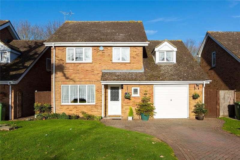 4 Bedrooms Detached House for sale in Eisenhower Road, Laindon, Essex, SS15