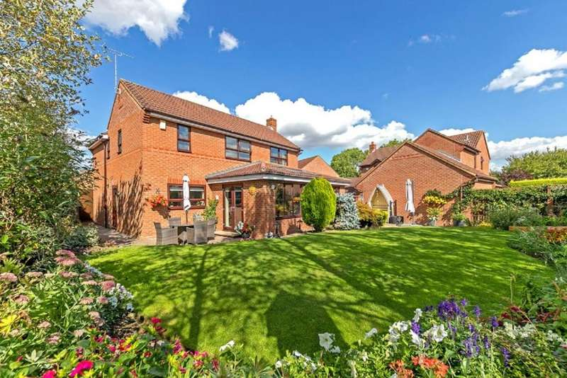 4 Bedrooms Detached House for sale in Old Farm Park