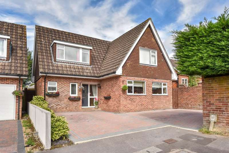 4 Bedrooms Detached House for sale in Priors Close, Kingsclere, Newbury, Hampshire, RG20