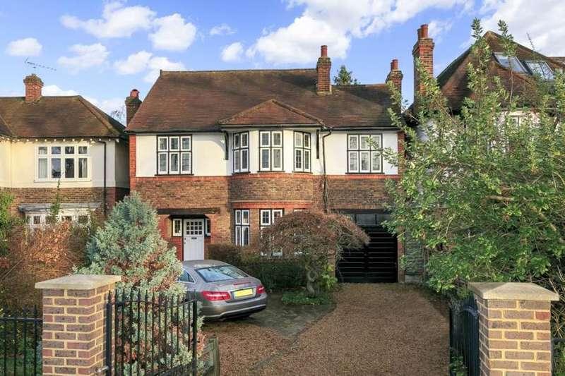 5 Bedrooms Detached House for sale in Wensleydale Road, Hampton, TW12