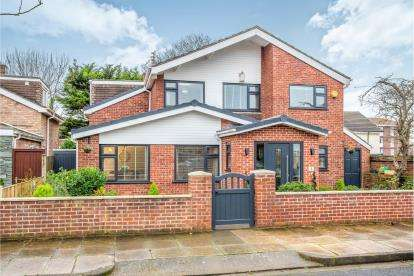 4 Bedrooms Detached House for sale in Newstead Avenue, Blundellsands, Liverpool, Merseyside, L23