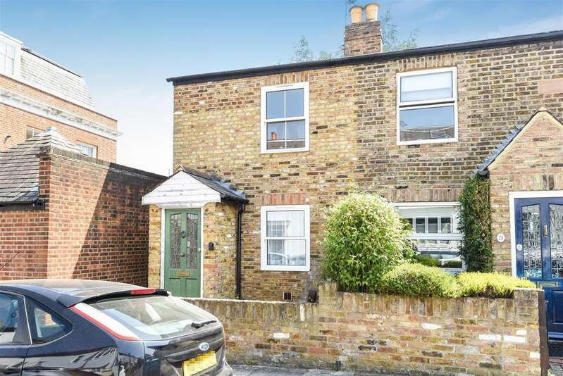 2 Bedrooms House for sale in Stanley Road, London