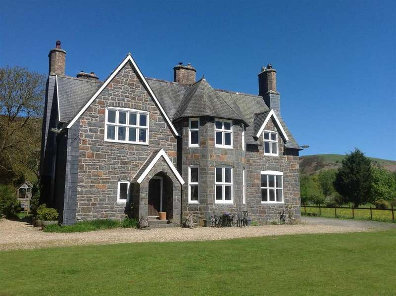 5 Bedrooms Detached House for sale in Garthbeibio, Foel, Welshpool