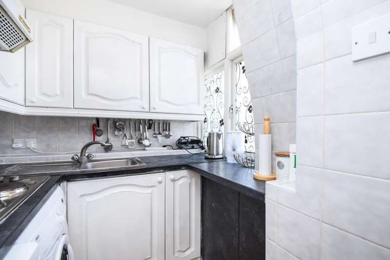 2 Bedrooms Flat for sale in Abercorn Place, St Johns Wood NW8, NW8
