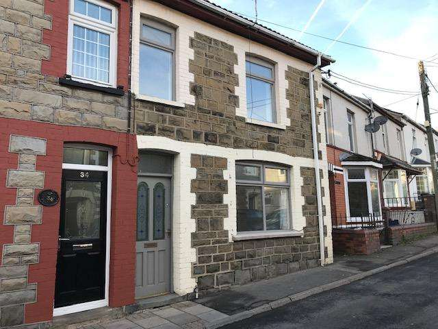 3 Bedrooms End Of Terrace House for sale in Victoria Street, Abertillery