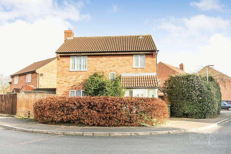 3 Bedrooms Detached House for sale in Golding Close, Thatcham