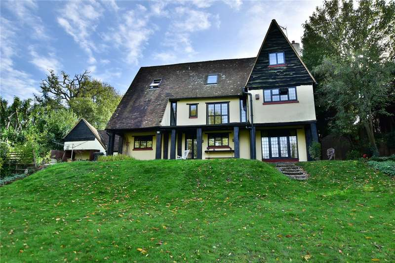 5 Bedrooms Detached House for sale in Berry Lane, Chorleywood, Hertfordshire, WD3