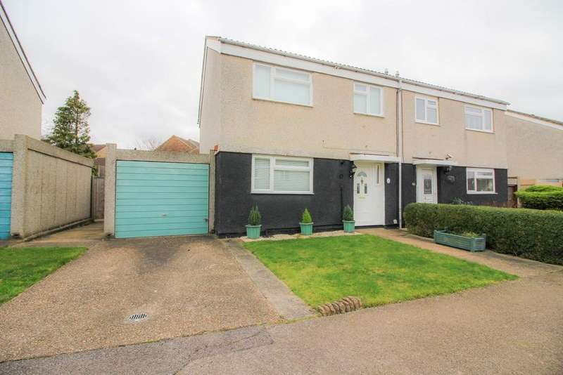 3 Bedrooms Semi Detached House for sale in Lodge Hall, Harlow, CM18
