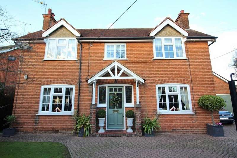 4 Bedrooms Detached House for sale in School Lane, Broomfield, Chelmsford, Essex, CM1
