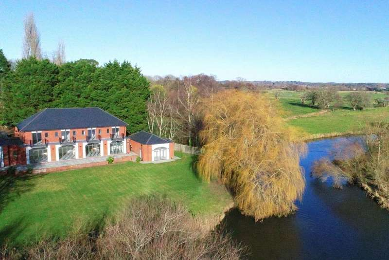 6 Bedrooms Detached House for sale in Windmill Lane, Avon Castle, BH24 2DQ