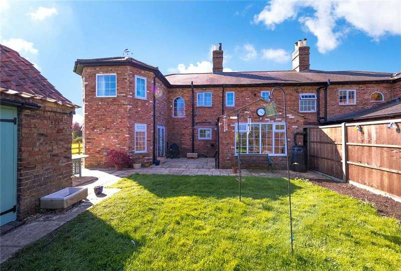 5 Bedrooms Semi Detached House for sale in Donington Road, Horbling, Sleaford, NG34
