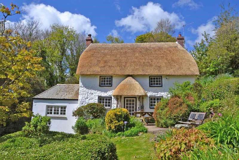 3 Bedrooms Detached House for sale in St Anthony-in-Meneage,Nr. Helford, South Cornwall