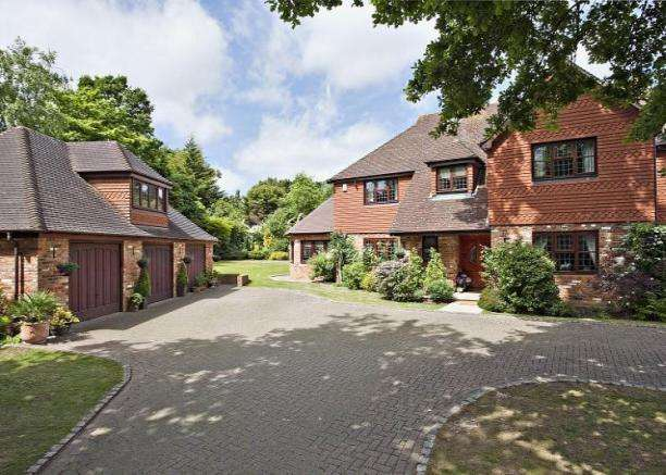 5 Bedrooms House for sale in Turnoak Park, St Leonards Hill, Berkshire