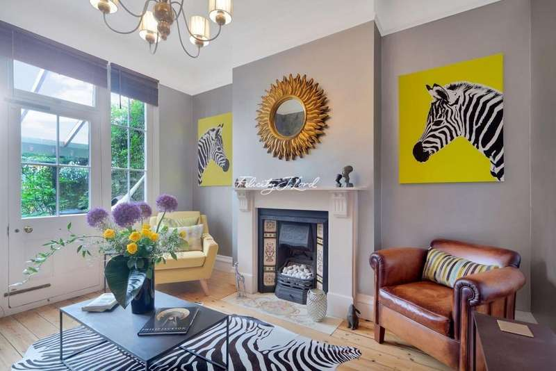 4 Bedrooms Terraced House for sale in Durlston Road, E5