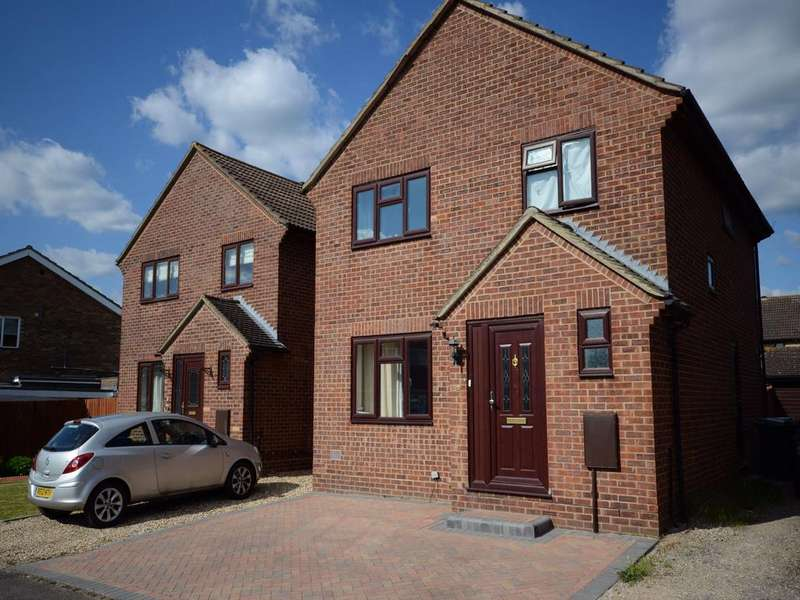 4 Bedrooms Detached House for sale in Cavalier Close, Theale, Reading, Berkshire, RG7